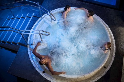 the-well-spa-jacuzzi